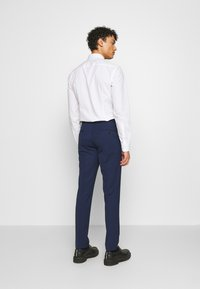 Michael Kors - SLIM FIT SUIT - Suit - navy - 5