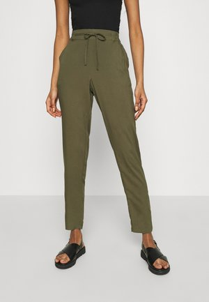 VMSIMPLY EASY PANTS - Trousers - ivy green