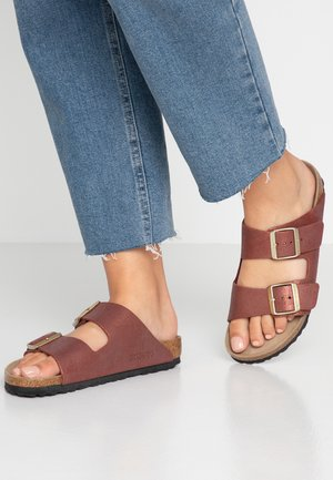 ARIZONA - Mules - washed metallic port