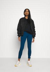 Nike Sportswear - Legging - valerian blue/ice silver - 1