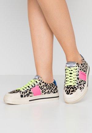 Sneakers - black/white