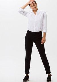 BRAX - STYLE SHAKIRA - Jeans Skinny - clean black - 1