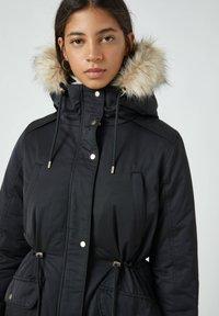 PULL&BEAR - Zimní kabát - black - 4