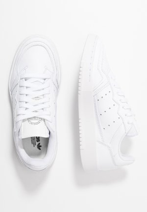 SUPERCOURT - Matalavartiset tennarit - footwear white