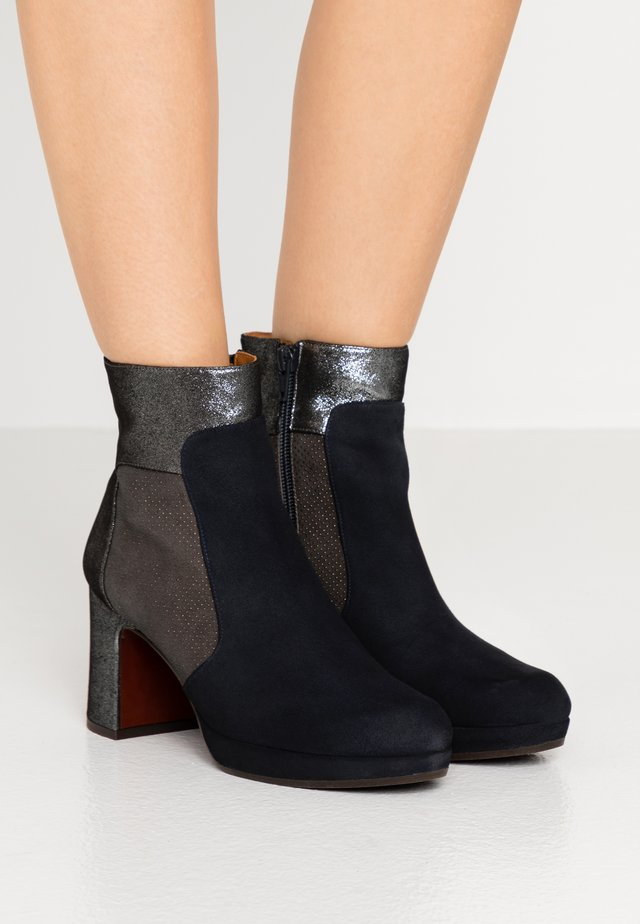 HELMUT - Platform ankle boots - asfalto/galaxy/lame silver