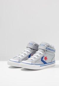 Converse - PRO BLAZE STRAP - Baskets montantes - wolf grey/blue/enamel red - 3