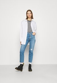 Levi's® - 501 CROP - Jean droit - athens adventure
