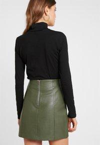 Monki - VANJA - T-shirt à manches longues - black dark - 2