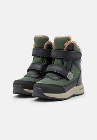 Finkid - LAPPI UNISEX - Zimní obuv - bronze green/graphit - 1