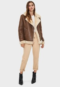 Bershka - Veste en similicuir - brown - 1