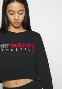 New Balance - ESSENTIALS ICON CREW - Sweatshirt - black - 5