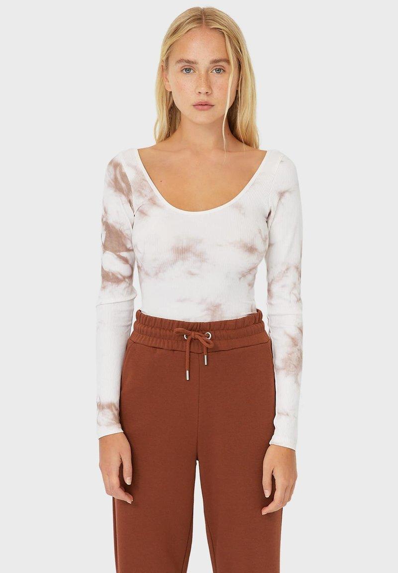 Stradivarius - Print T-shirt - light brown