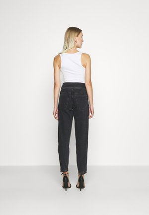 ONLLU LIFE CARROT PLEAT BANK  - Jeans relaxed fit - black