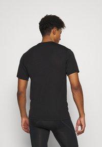 Fox Racing - CREST TECH TEE - Print T-shirt - black/green - 2