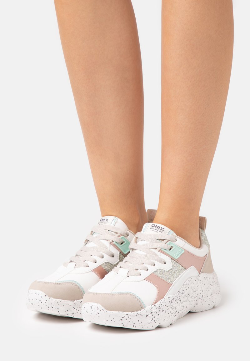ONLY SHOES - ONLSANNA CHUNKY - Sneakersy niskie - white