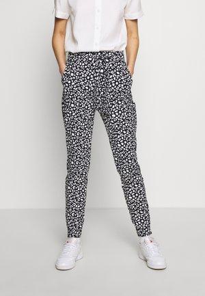 DEANNE - Spodnie materiałowe - schwarz
