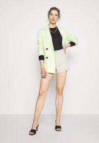 Weekday - ROWE  - Jeans Shorts - beige - 1