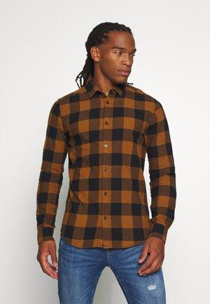 ONSGUDMUND CHECKED - Hemd - brown