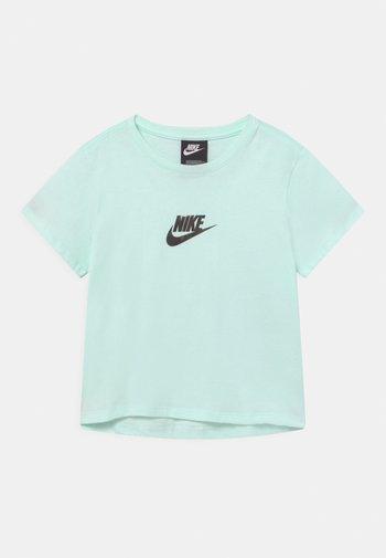 CROP - Camiseta estampada - barely green