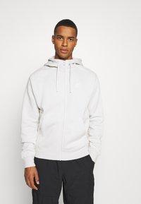 Nike Sportswear - CLUB HOODIE - Zip-up hoodie - light bone/white - 0