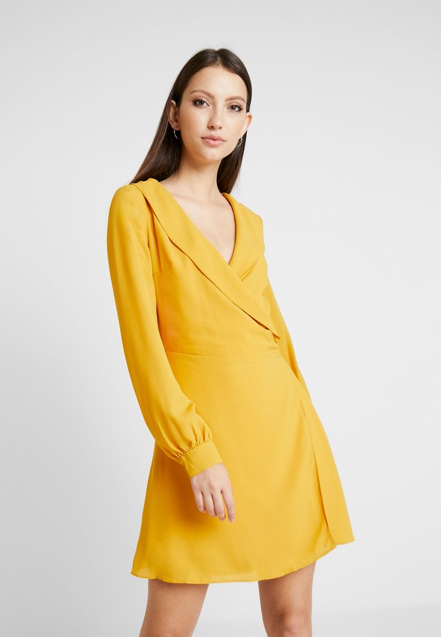 LONG SLEEVE WRAP FRONT DRESS - Day dress - gold