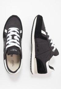 Pepe Jeans - TINKER JOGGER - Zapatillas - black - 1