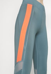 ONLY Play - ONPSULA TRAINING - Leggings - goblin blue/fiery coral - 5