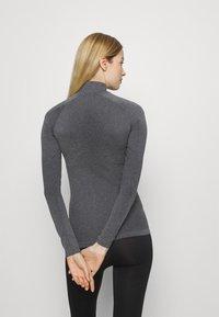 ODLO - TURTLE NECK HALF ZIP PERFORMA - Long sleeved top - grey melange - 2