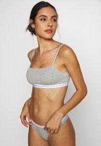 Calvin Klein Underwear - UNLINED BRALETTE 2 PACK - Topp - grey heather - 1