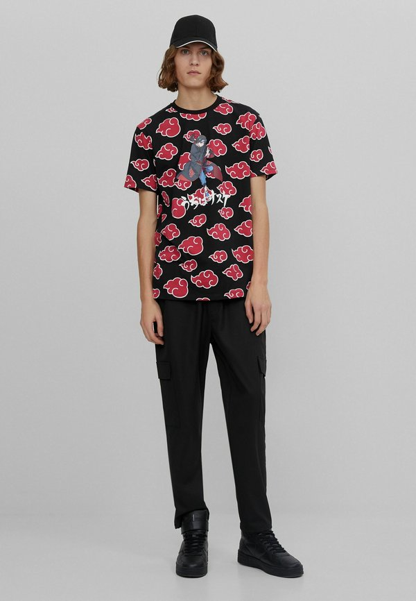 Bershka MIT NARUTO - T-shirt z nadrukiem - black/czarny Odzież Męska SKNS