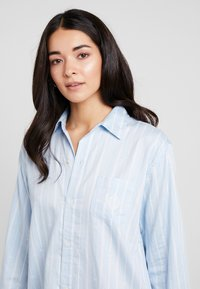 Lauren Ralph Lauren - CLASSIC HIS SHIRT SLEEPSHIRT - Noční košile - blue - 3