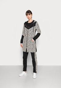 Liu Jo Jeans - MAXI FELPA APERTA - Short coat - nero - 0
