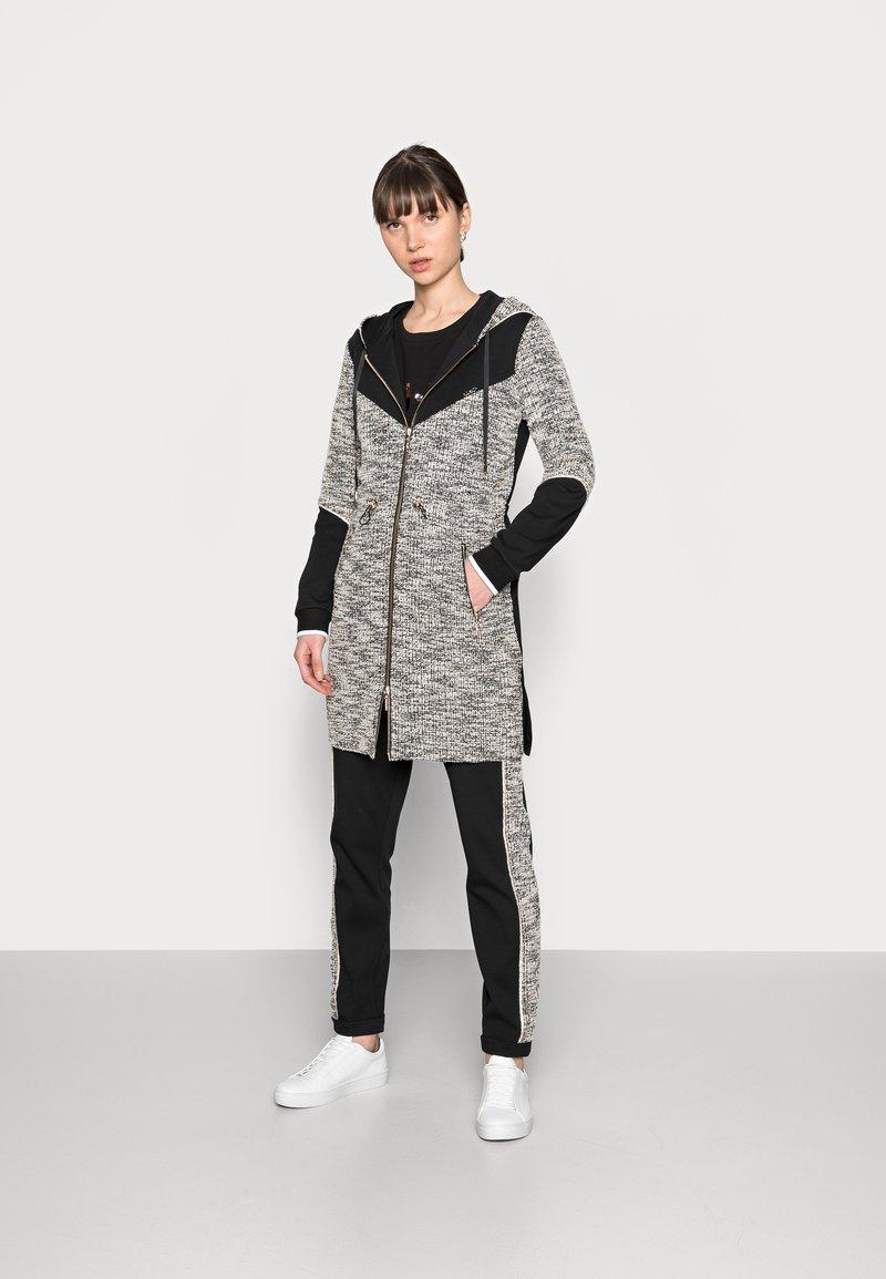 Liu Jo Jeans - MAXI FELPA APERTA - Short coat - nero