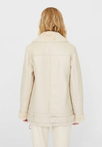 Stradivarius - DOUBLEFACE - Faux leather jacket - white - 2