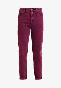 MOM  - Straight leg jeans - beetroot