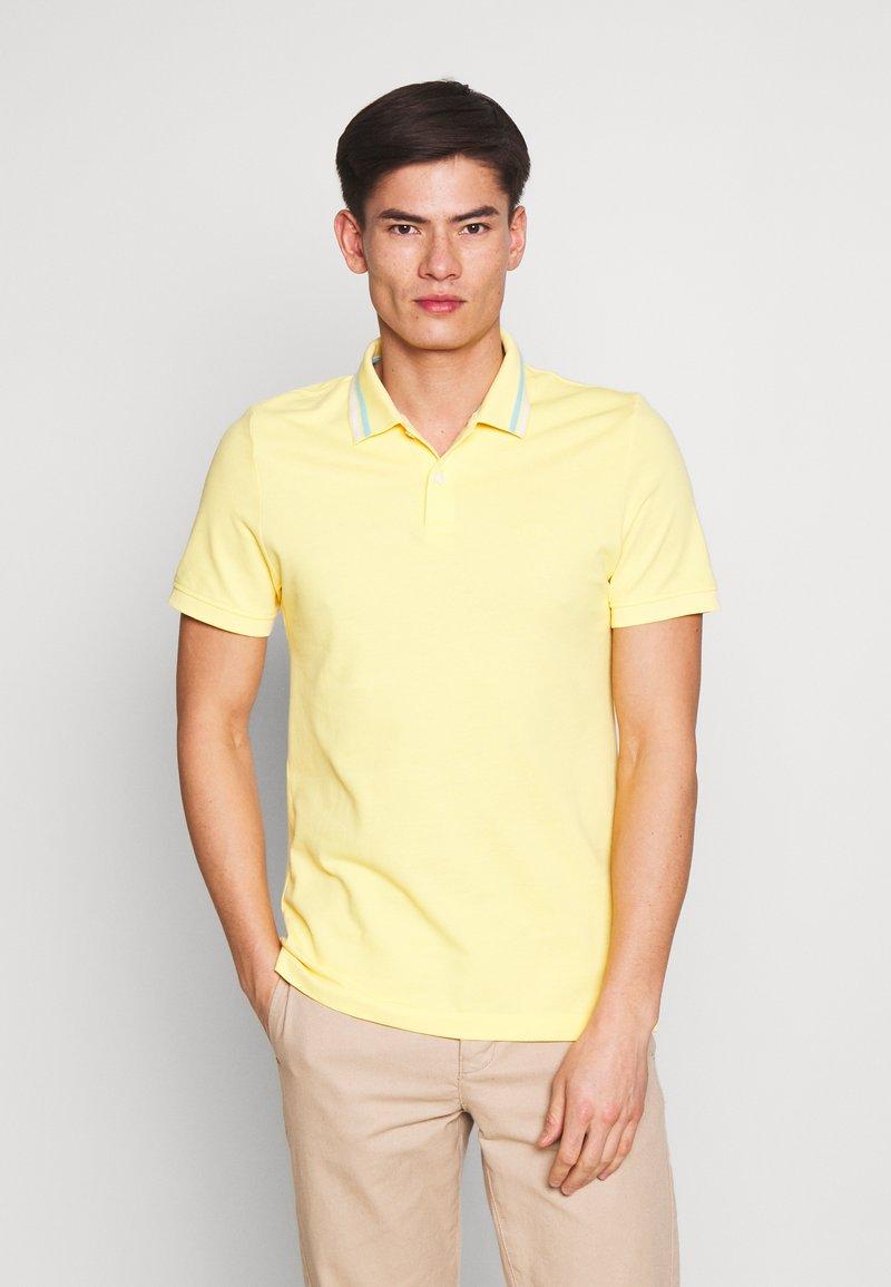 s.Oliver - KURZARM - Polo shirt - yellow