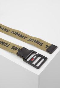 Tommy Jeans - DRING BELT  - Vyö - green - 2