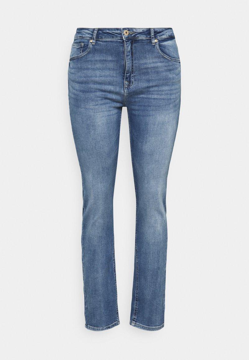 ONLY Carmakoma - CARRICA LIFE - Jeans straight leg - medium blue denim