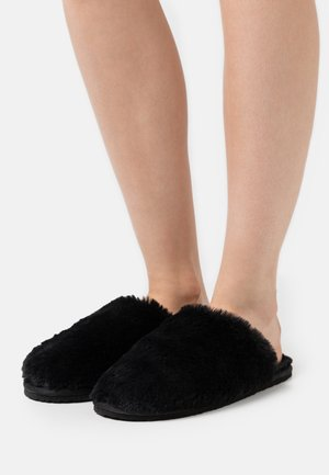 LITTLE FLUFFY CLOUDS - Slippers - black