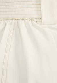 Bershka - MIT GÜRTEL  - A-line skirt - white - 5