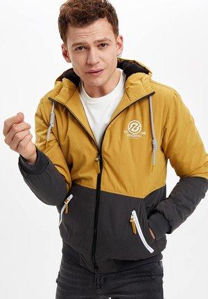 SLIM FIT - Light jacket - yellow