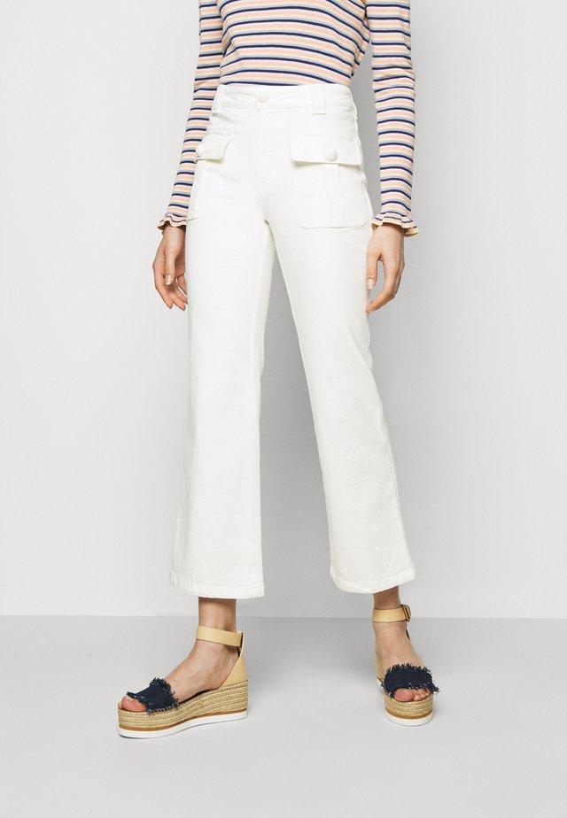 Jeans a zampa - brilliant white