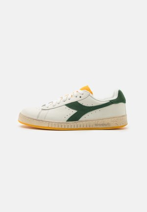 GAME ICONA UNISEX - Trainers - white/greener pastures/goldfinch