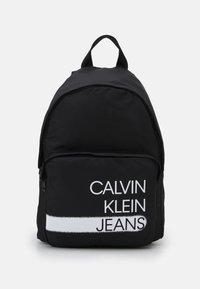Calvin Klein Jeans - SEASONAL LOGO BACKPACK UNISEX - Rucksack - black - 0