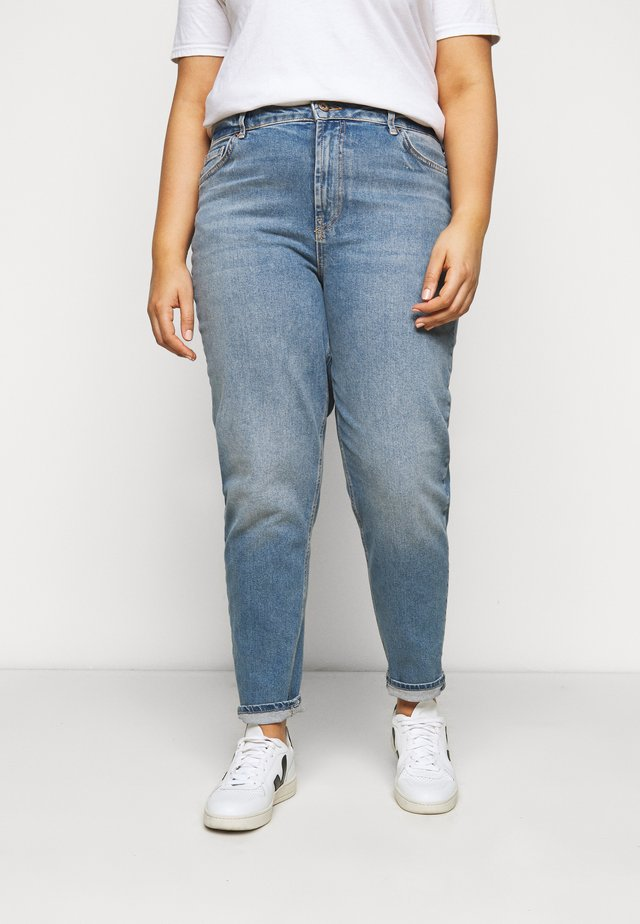 PCLEAH MOM - Džíny Relaxed Fit - medium blue denim