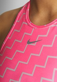 Nike Performance - NIKE EVERYTHING BRA NEO WAVE - Sports-BH - digital pink/reflective silver - 4