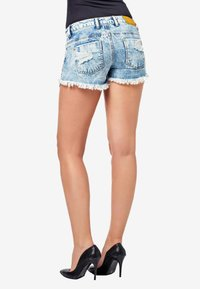 Cipo & Baxx - Denim shorts - iceblue - 4