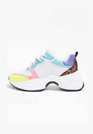 JENNEA  - Sneakersy niskie - mehrfarbig/weiß