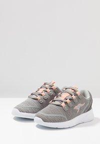 KangaROOS - KF LOCK - Sneakers - vapor grey/dusty rose - 3