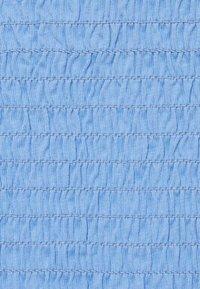 Pieces Petite - PCTILY CROPPED HALTER NECK - Top - vista blue - 2